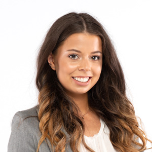 Alexanda is in charge of the Back Office and enables us to work smoothly every day.
