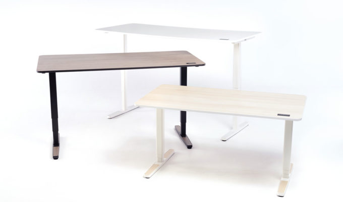 You can choose one of the three sizes and colours when purchasing the Yaasa Desk Pro II.
