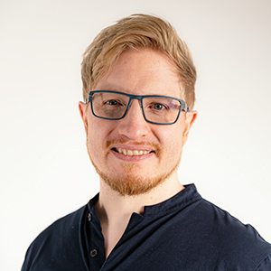 Florian is the creator of our unique Yaasa products that bring adjustability into every office.