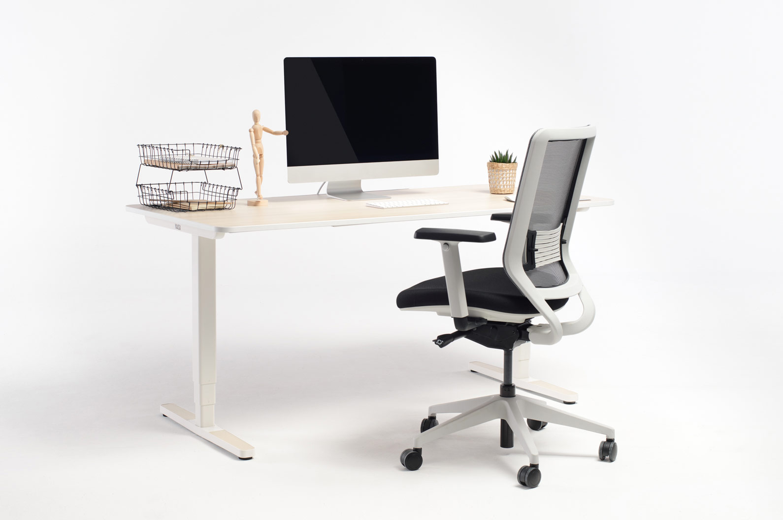An office furnished with products by Yaasa is ergonomical and provides adjustability and movement while working.