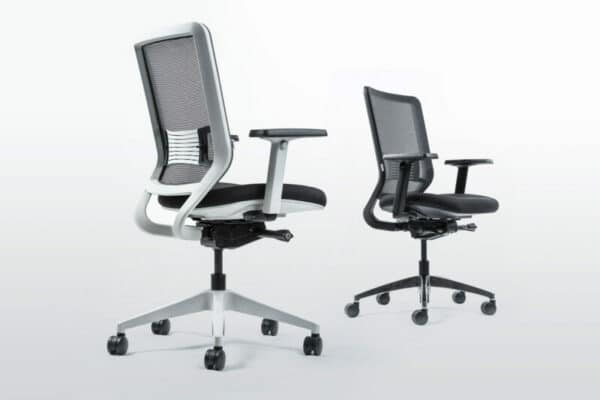 ergonomic office chairs by yaasa in black and white